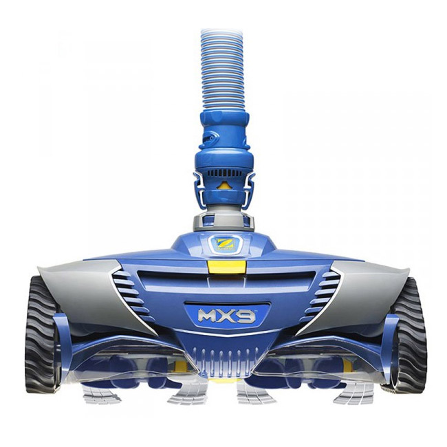 Système de turbo aspiration qui assure un nettoyage du fond optimal Garanti 2 ans 12 sections de tuyau d'1m Robot hydraulique qui se branche sur la prise balai Nettoie uniquement le fond Conseillé pour petites piscines ou piscines hors-sol